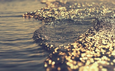 positive-manifesting-lawofttraction-ocean-sparkles-abundance-giving